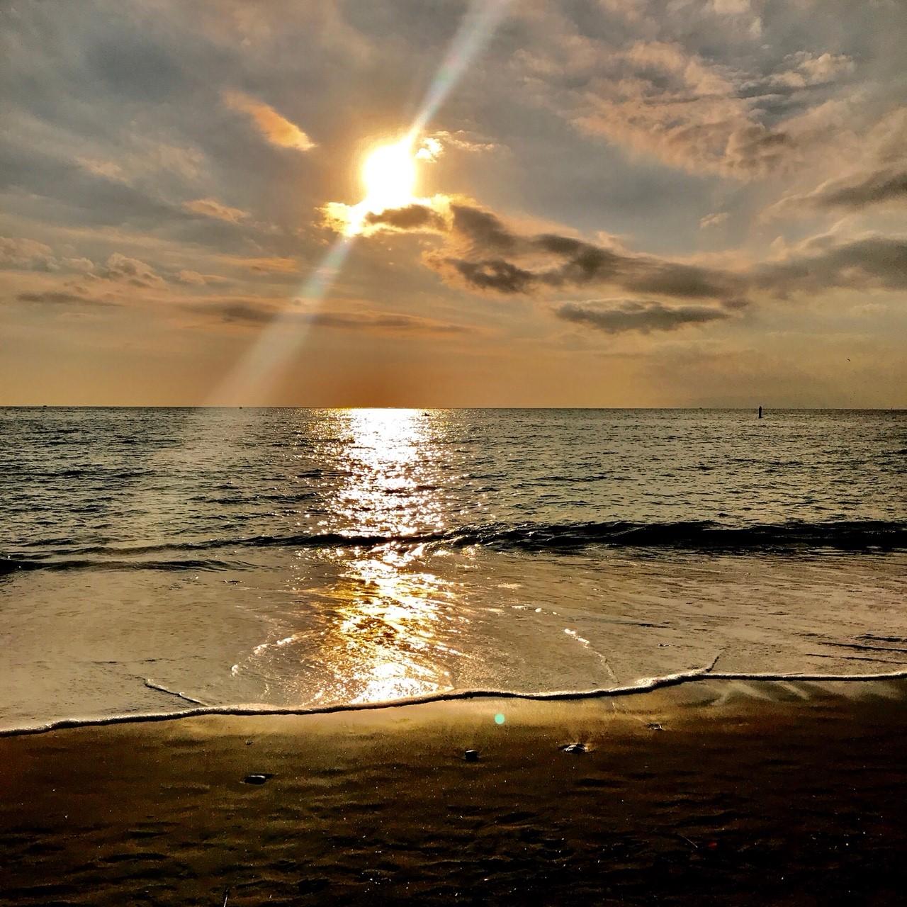 秋谷海岸の夕日