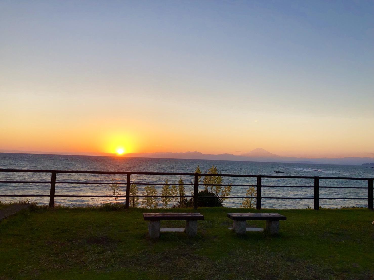 葉山公園から見える夕日