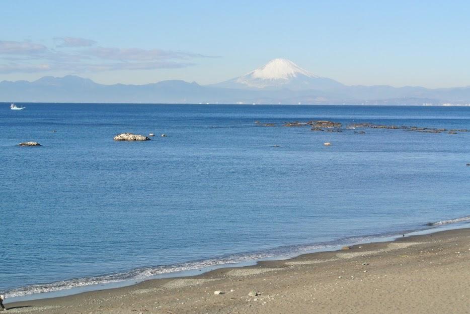 葉山の海から見える富士