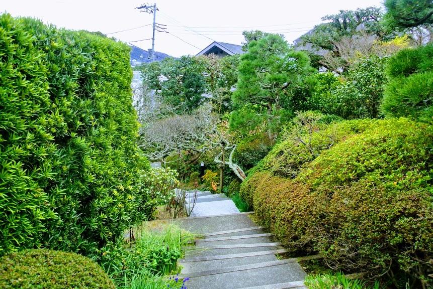 山口蓬春記念館の庭