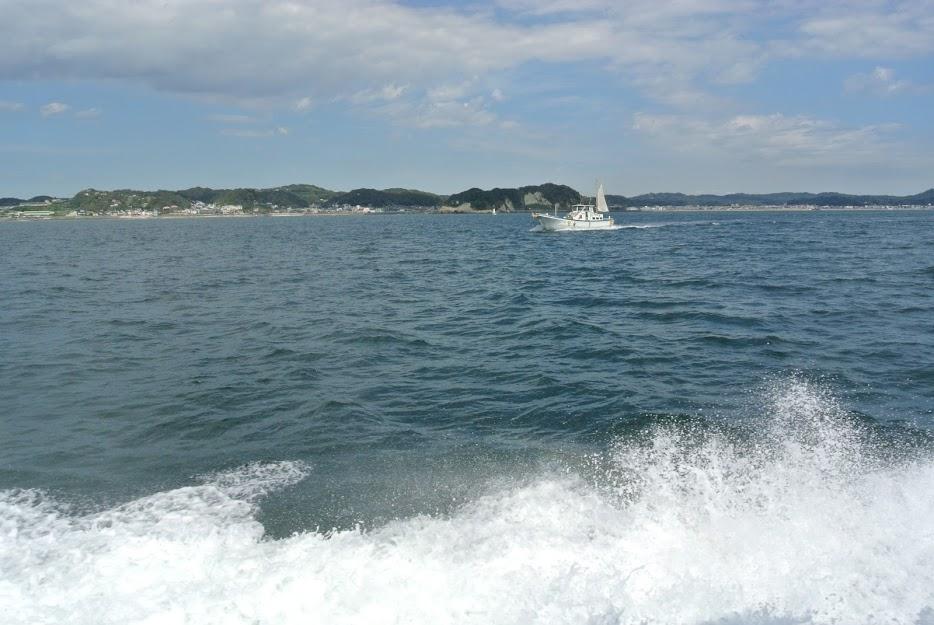 船尾から見る海の風景、ボンボヤージュ