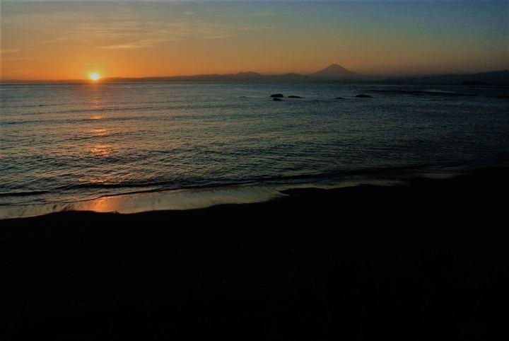 葉山公園から臨む、富士山と太陽。