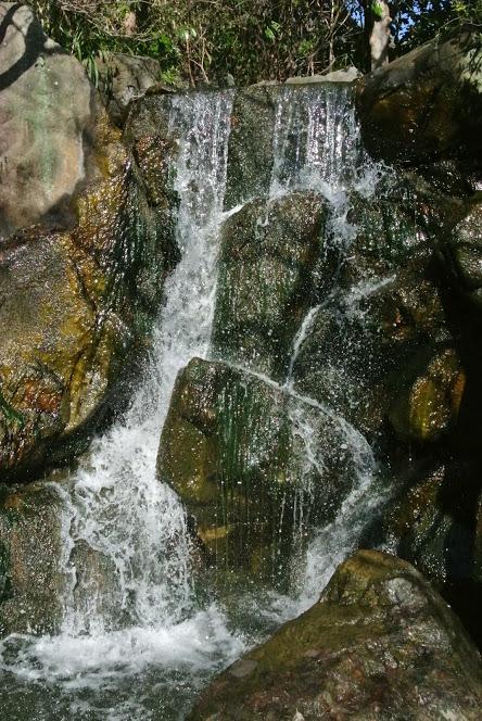 しおさい公園の滝
