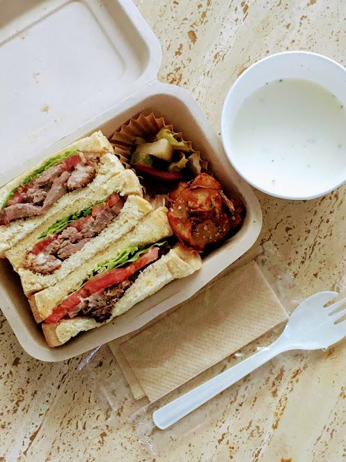 アッシュアンドカフェのテイクアウトサンドイッチ
