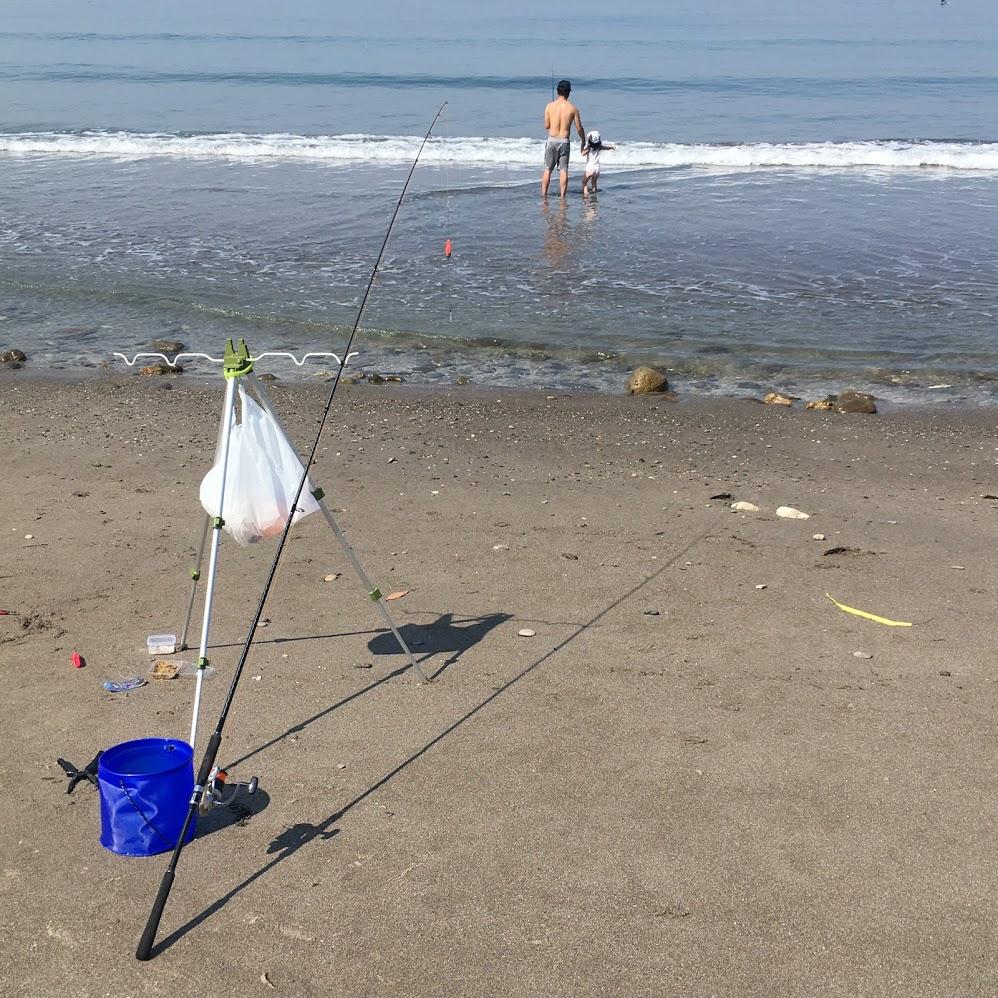 海岸釣り親子